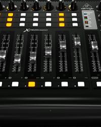 Detalhes do produto Controlador MIDI/USB X-TOUCH-COMPACT - Behringer